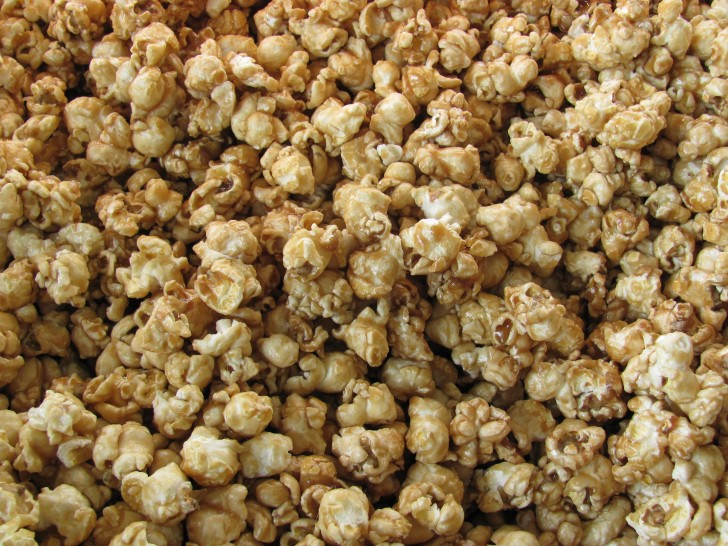 1 Gallon Dolle's Caramel Popcorn
